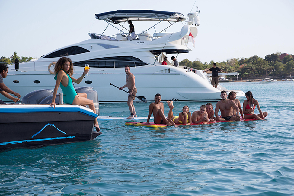 Image description: Boat image with people